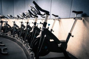 weight loss cycling, spinning class for beginners