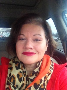 Wearing Julie Page's Champagne and Sandy Peach eye shadow, Fuji baked bronzer, Valentina on the lips. Add to the mix a hot leopard print scarf and bright red coat, I'm just exploding with color!
