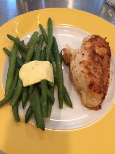 The perfect meal: 4 ounces of chicken sauteed in clarified butter and 4 ounces of fresh, steamed green beans topped with some grass-fed butter. Yum!